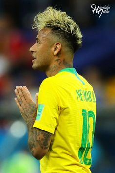 Neyman blonde hairstyle for World Cup 18 Hair 2018, Unique Hairstyles, David Beckham, Over The Years, World Cup, Blonde Hair, Football, Hair Styles, Model