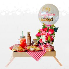Birthday Gift Baskets, Birthday Gifts, Breakfast Basket, Ideas Para Fiestas, Gift Hampers, Creative Gifts, Picnic, Armenia, Lunch Box