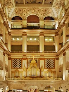 Wanamakers Pipe Organ. World's largest.
