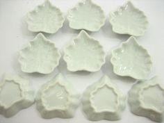 Dollhouse Miniature Ceramic 4//9 White Teapot Cup Saucer Scallop Plate #S 4418