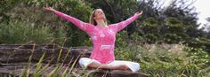 Vorteile von Yoga Asanas, wie z.B. Gewichtsverlust, Entspannung und Verbessertes Immunsystem. Lese weiter unter: http://www.artofliving.org/de-de/vorteile-von-yoga-asanas