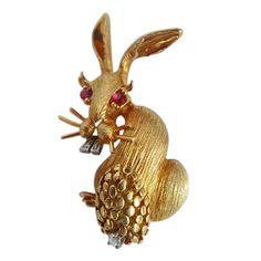 Hammerman Brothers Rabbit Brooch Gold Diamond by BestOldJewelry