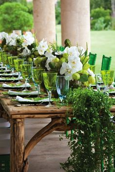 DECORATING INSPIRATION: 5 Stunning Summer Tablescape | Design by Occasion