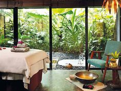 Tropical spa Id love to have a window like this in my massage room Massage Room Decor, Massage Therapy Rooms, Massage Room Design, Home Spa Room, Spa Rooms, Spa Interior, Salon Interior Design, Salon Design, Spa Design