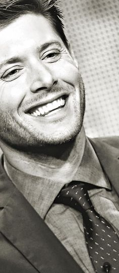 Always smiling. Jensen Ackles #DeanWinchester #Supernatural #Winchestered