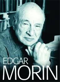 EDGAR MORIN. Sociólogo, historiador, geógrafo e advogado. Morin, é autor do livro:Os sete saberes necessários.