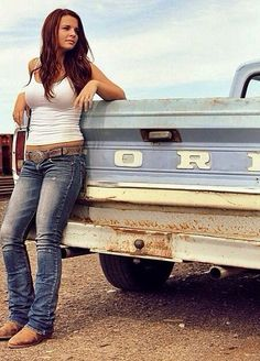 We Love These Country Girls Photos) - Suburban Men - July 2015 - . - We love these country girls photos) – Suburban Men – July 2015 – - Hot Country Girls, Country Girl Style, Country Women, Country Girl Truck, Country Girl Pics, Country Music, Sexy Cowgirl, Meninas Do Interior, Country Girls