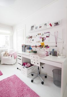 37 Amazing Teen Girl Bedroom Decor Ideas - If you're browsing for teen bedroom ideas, think of just what your teen enjoys and also see their bedroom via their viewpoint. Bedroom Desk, Teen Bedroom, Diy Bedroom, Bedroom Toys, Bedroom Small, White Bedroom, Bedroom Furniture, Master Bedroom, Small Room Design