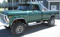 1979 f-150 (:  love this old jacked up ford,i'd look goood in this!!