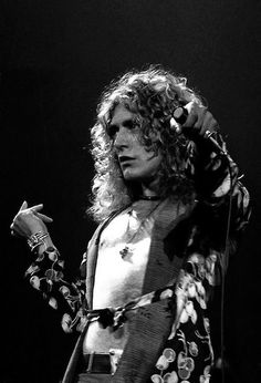 Robert Plant / HIS HAND MOVEMENTS HAVE FASCINATED ME SINCE THE FIRST TIME I SAW HIM PERFORM!