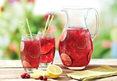 Non-alcoholic cranberry fizz Non Alcoholic Cocktails, Summer Cocktails, Tasty, Yummy Food, Sugar And Spice, High Tea, Cocktail Recipes, Beverages, Food And Drink