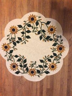 Vintage sunflower table mat by Lisa Lisa Hoefler Bongean done by Elizabeth Schraeder
