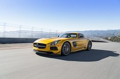 2014 Mercedes-Benz SLS AMG | 2014 Mercedes Benz SLS AMG Black Series Front Three Quarters In Motion