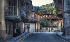 Para disfrutar Asturias Bárzana, parroquia y capital del concejo de Quirós. Asturies