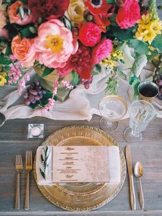 photo: Shane and Lauren Photography; via Tres Chic Affairs