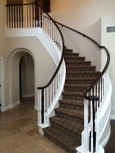 Best Curved Staircase With Iron Spindles Home In 2019 Iron 400 x 300