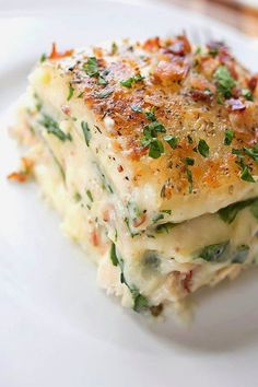 Ingredients: • Creamy Garlic Sauce (recipe below) • 12 lasagna noodles, cooked • 1 pound chicken tenderloins (about 8-10 tenderloins), ...