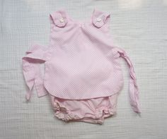 Hot pink polka dots. Matching apron and bloomers. LazerBabyVintage, $11.00