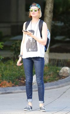 Evan Rachel Wood looks cool and casual.