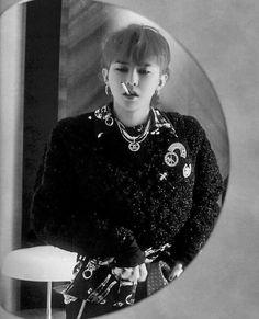 Chanel boy. ❤ #sohandsome #jiyong