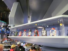 Custom Droids at Star Trader's Droid Factory at Disneyland. (Prices and photos!)