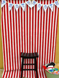 circus photobooth diy