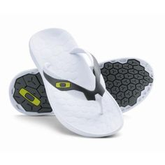 Oakley Operative 2 Mens Flip Flops White WAS £29.99 sandals, beach shoes reef £14.95