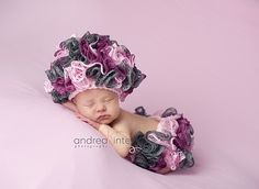 Ravelry: Sweet Carnations Cloche and Bloomers pattern by Carmen Statham