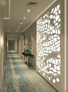 20 Long Corridor Design Ideas Perfect for Hotels and Public Spaces - Couloir Decoration Bedroom, Hallway Decorating, Decorating Ideas, Entryway Decor, Wall Decor, Deco Design, Design Case, Hallway Office, Hallway Ideas