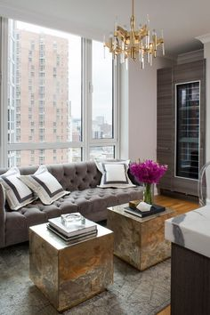 15 Remarkable Decorating Ideas By Wendy Labrum To Copy | Home Decor. Modern Interior Design. #homedecor #interiordesign #livingroom Read more: https://www.brabbu.com/en/inspiration-and-ideas/interior-design/remarkable-decorating-ideas-wendy-labrum-copy