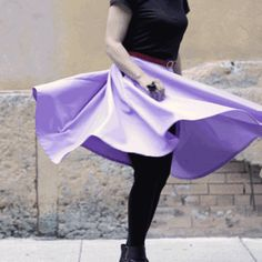 Fall is upon us. All you need to get by is a good comfortable skirt with places to put your stuff (pockets!).This skirt is made in midi-length, which is the length...