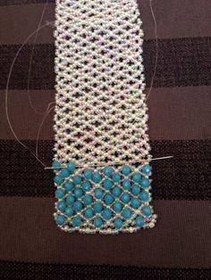 off loom beading techniques Seed Bead Bracelets, Seed Bead Jewelry, Bead Jewellery, Stacking Bracelets, Fall Jewelry, Beading Techniques, Beading Tutorials, Beading Ideas, Beaded Bracelet Patterns