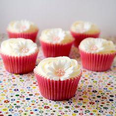 Objetivo: Cupcake Perfecto.: La bloguera piscinera y unos cupcakes sin huevo co...