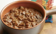 Lo spezzatino di carne di manzo richiede una certa attenzione e cura. Ma il risultato è imperdibile. Segui la ricetta di Sale&Pepe.
