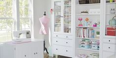 How to Set Up Your Sewing Room - Ideas & Essentials Sewing Room Envy? You don't have to spend a fortune on kitting out your dream sewing room. Because you CAN create a fresh sewing space with . Ikea Sewing Rooms, Sewing Spaces, My Sewing Room, Sewing Room Design, Craft Room Design, Sewing Studio, Ikea Craft Room, Craft Room Storage, Craft Rooms