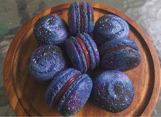 Et des macarons qui feraient la fierté de Zenon. | Ces desserts vont vous donner faim et envie d'être astronaute à la fois