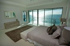 Bedroom with beach view-Hot Home A World of Luxury and Scenic Beauty in Heart of Brisbane