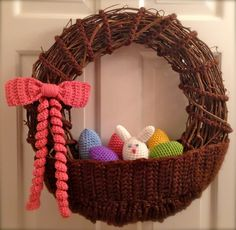 Crochet Easter Basket Wreath by CrochetFarmer on Etsy Crochet Easter, Easter Crochet Patterns, Holiday Crochet, Crochet Home, Crochet Crafts, Yarn Crafts, Crochet Projects, Wreath Crafts, Diy Wreath