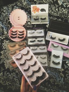 Whats your favourite brand of false eyelashes? Makeup Goals, Makeup Inspo, Makeup Tips, Makeup Products, Makeup Ideas, Eye Makeup, Fake Lashes, False Eyelashes, Hair Curlers Rollers