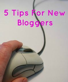 5 tips for new bloggers on social media, communities and growing your audience. By Ambassador @AMotherhoodBlog #HootAmb