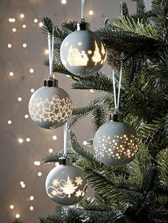 Twelve Light Up Baubles - Christmas Tree Decorations - Christmas Scandi Christmas, Christmas Trends, Gold Christmas, Christmas Baubles, Christmas Inspiration, Beautiful Christmas, Christmas Home, Christmas Lights, Christmas Crafts