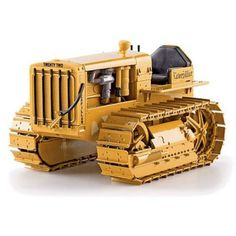 Vintage Caterpillar  Twenty-Two Track Type Tractor 1:16 Scale by Norscot - NOR55154 See also Diecast Masters, CCM, Tonkin Replicas and NZG for CAT Models