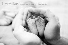 kim miller LIFESTYLE PHOTOGRAPHY - MI.  #newborn #feet #babies