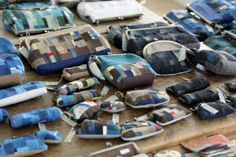 宮本佳緒里 「12か月のガマグチ」 ヒナタノオト Patchwork Bags, Purses And Bags, Patches, Pouch, Textiles, Quilts, Handmade, Crafts, Color