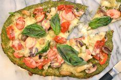 Pizza z brokolice Broccoli Crust Pizza, Broccoli And Cheese, Crispy Pizza, Pizza Ingredients, Gluten Free Pizza, Fresh Mozzarella, How To Dry Oregano, Vegetable Pizza