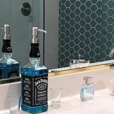 Whisky Jack Daniels, Jack Daniels Decor, Jack Daniels Gifts, Jack Daniels Bottle, Mouthwash Dispenser, Wine Dispenser, Bathroom Soap Dispenser, Soap Dispensers, Liquor Bottle Crafts