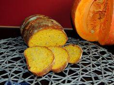 Moje Małe Czarowanie: Chleb dyniowy na drożdżach