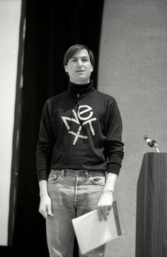 Learned a lot not only about Jobs but about the whole computer industry - fascinating! Steve Jobs Apple, Steve Wozniak, Steve Jobs Photo, Bill Gates Steve Jobs, Apple Picture, Computer Companies, Black Silhouette, Milton Glaser, Frames