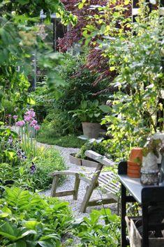 83 beautiful cottage garden ideas to create perfect spot - HomeSpecially Back Gardens, Small Gardens, Outdoor Gardens, Garden Arbor, Garden Pots, Landscape Design, Garden Design, Home And Garden Store, Garden Cottage