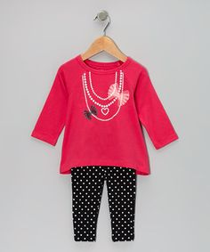 Little lovebugs will feel oh-so cool dressed in a hip ensemble bursting with color and whimsy. Designed for optimal comfort, the tunic boasts a swingy shape and all-cotton construction, while the leggings feature a hint of stretch and an elastic waistband.